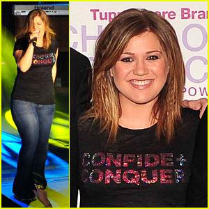 Kelly Clarkson: 'Confide + Conquer' Concert!