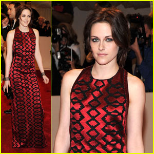 Kristen Stewart - MET Ball 2011