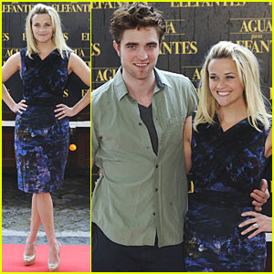 Reese Witherspoon & Robert Pattinson: 'Elephants' Barcelona Photo Call!