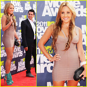 Amanda Bynes - MTV Movie Awards 2011 Red Carpet