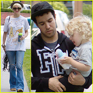 Ashlee Simpson & Pete Wentz: Farmers Market with Bronx