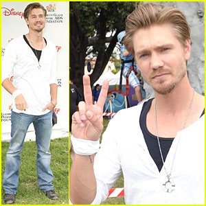 Chad Michael Murray: A Time for Heroes Picnic!
