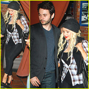 Christina Aguilera: Pace with Matthew Rutler!