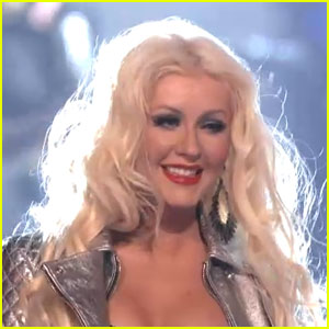 Christina Aguilera: Queen Medley on 'The Voice'!