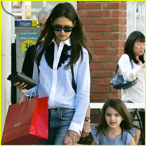 Katie Holmes: Urth Caffe with Mom, Dad & Suri!