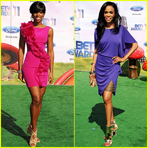 Kelly Rowland & Michelle Williams - BET Awards 2011