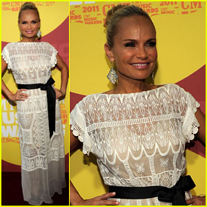 Kristin Chenoweth - CMT Music Awards 2011 Red Carpet