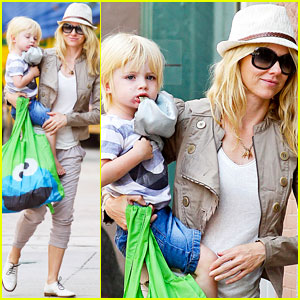 Naomi Watts: Sunny Afternoon with Samuel!