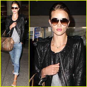 Rosie Huntington-Whiteley Lands at LAX