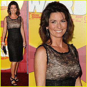 Shania Twain - 2011 CMT Music Awards Red Carpet
