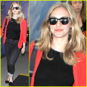 Amanda Seyfried: 'Red Riding Hood' Blooper Reel!