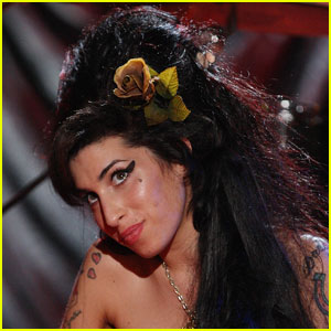 Celebs Remember Amy Winehouse on Twitter