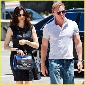 Daniel Craig & Rachel Weisz: Dress Shopping!