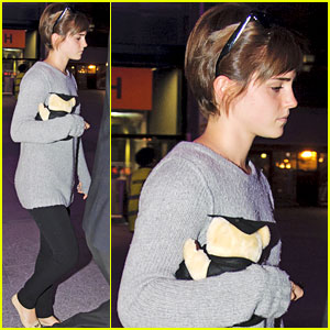 Emma Watson: Teddy Bear at Heathrow!