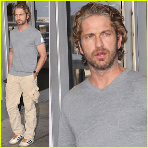 Gerard Butler Jets Into JFK