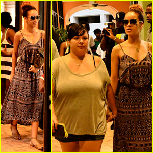 Rihanna Shops with Family in Barbados!