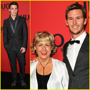 Ryan Kwanten: Hugo Show with Mom Kris!