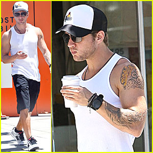Ryan Phillippe: Coffee at Cafe Primo