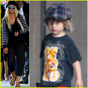 Christina Aguilera: Max's Black Eye Explained