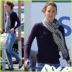 Kate: Grocery Shopping Sans Prince W