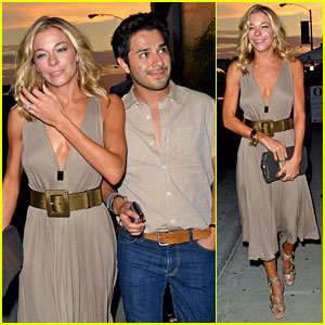 LeAnn Rimes: Birthday Dinner with Friends!