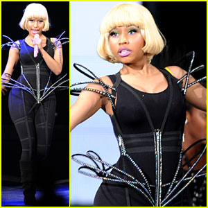 Nicki Minaj: Surprise 'Monster' Performance with Kanye West!