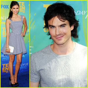 Nina Dobrev & Ian Somerhalder - Teen Choice Awards 2011 Red Carpet