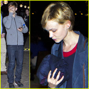 Carey Mulligan: Opera House with Tobey Maguire!