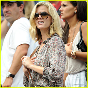 Brooklyn Decker: Andy Roddick Advances in the US Open!