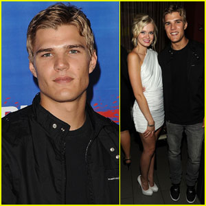 Chris Zylka: 'Shark Night 3D' Screening!
