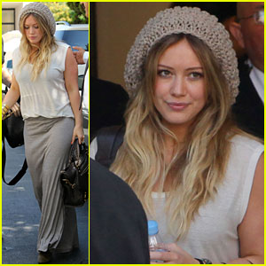 Hilary Duff: Chanel Shopper!