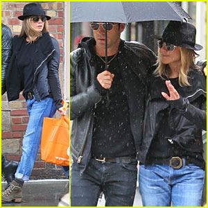 Jennifer Aniston & Justin Theroux: Stand Under My Umbrella!
