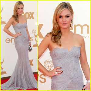Julia Stiles - Emmys 2011 Red Carpet