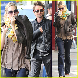 Kate Hudson & Matt Bellamy Break for Breakfast
