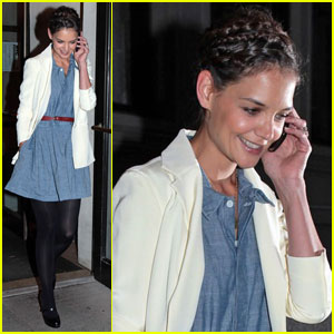 Katie Holmes: '100' Stories Benefit Reading