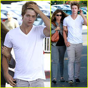 Patrick Schwarzenegger: Lunch Date with Mom & Dad!