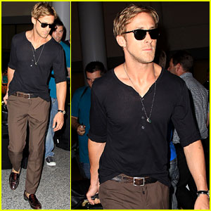 Ryan Gosling: Toronto Touch Down