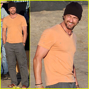 Gerard Butler: 'Of Men and Mavericks' Beach Scenes!