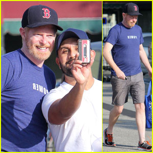 Jesse Tyler Ferguson: Been A Housewife All Week!