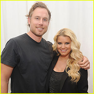 Jessica Simpson: Pregnant!