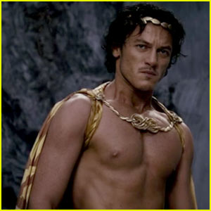 Luke Evans: 'Shirtless' for 'Immortals'!