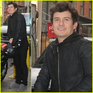 Orlando Bloom: My Family Is Like The Three Musketeers!