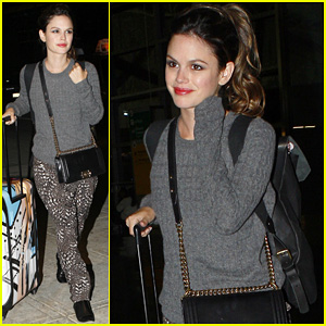 Rachel Bilson Jets Out of JFK