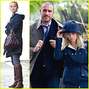 Reese Witherspoon & Jim Toth Get Caught in the Rain