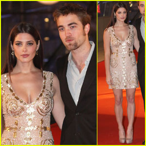 Robert Pattinson Ashley Greene on Robert Pattinson     Breaking Dawn    In Brussels    Ashley Greene
