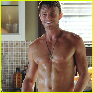Wilson Bethel: Shirtless Climate Change PSA!