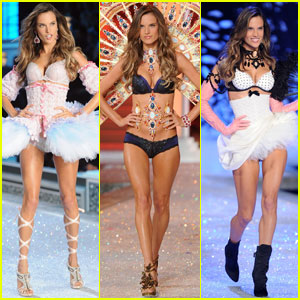 Alessandra Ambrosio - Victoria's Secret Fashion Show 2011