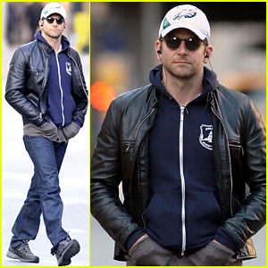 Bradley Cooper: Thanksgiving Day Stroll