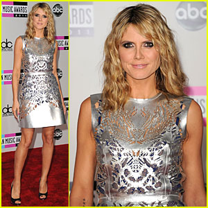 Heidi Klum - AMAs 2011 Red Carpet