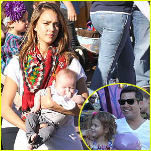 Jessica Alba: Honor and Haven Go to Disneyland!